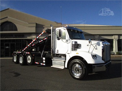 Freightliner 122SD Roll Off