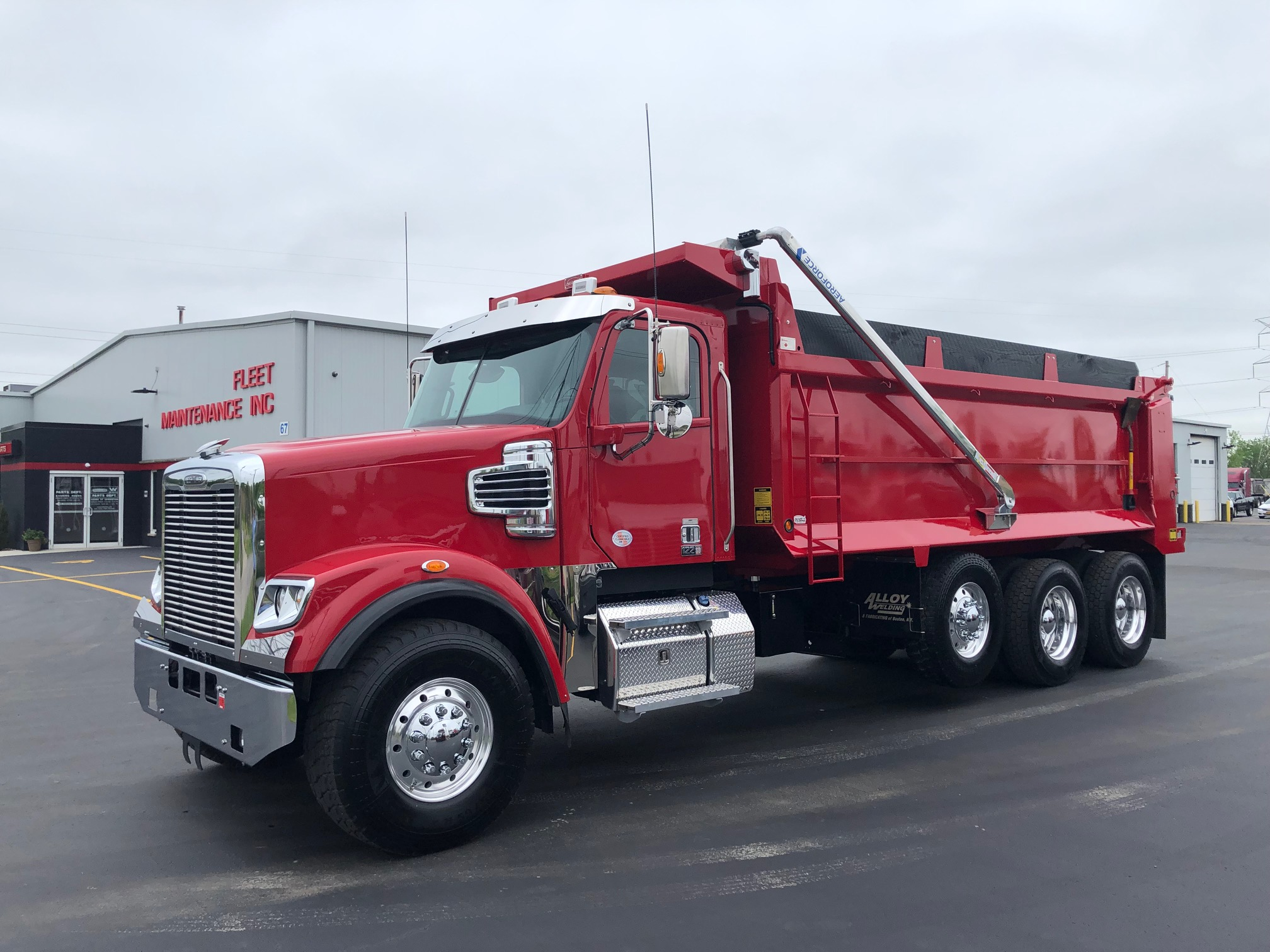 2020 Freightliner 122SD- Red