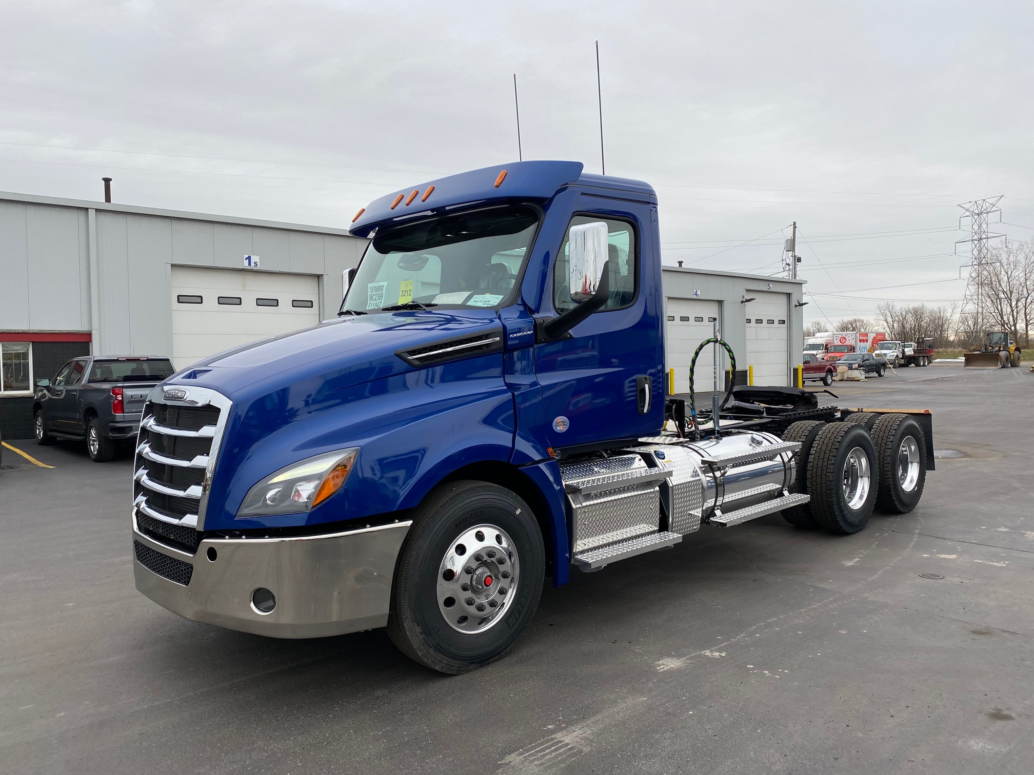 2020 Cascadia Day Cab